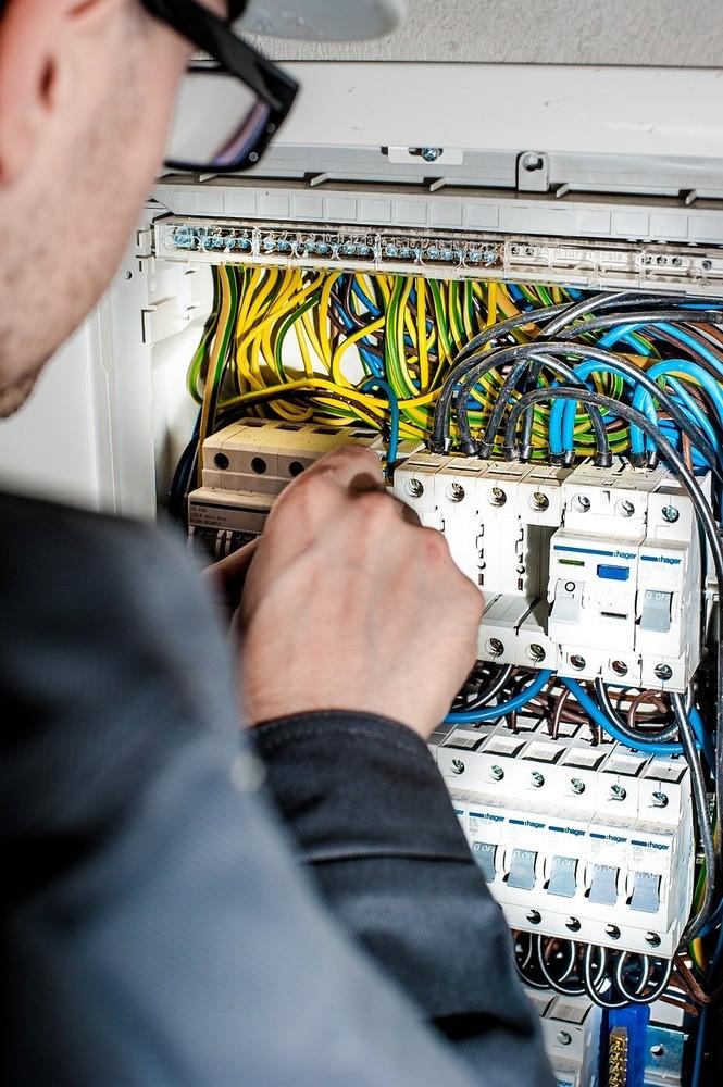 Få sikre el-installationer med denne elektriker i Holstebro
