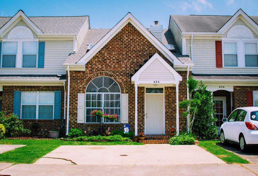 Skal du have anlagt en ny indkørsel eller terrasse?