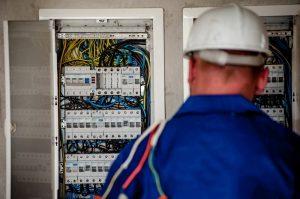 Sådan finder du den rette elektriker i Viby