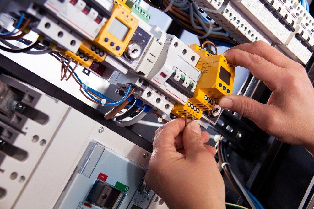 Få fat i elektrikeren med den gode service